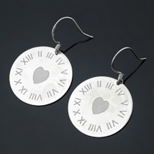 Laser Marking Engraving Machine Engraving on Earring Jewelry